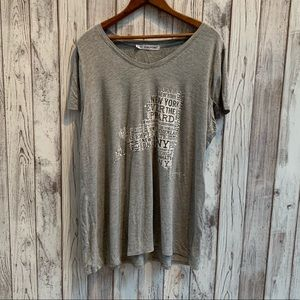 "Maurice's T shirt gray ""New York"" size 2"